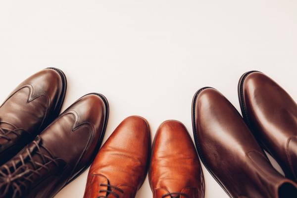 How to create a men's minimalist shoe collection