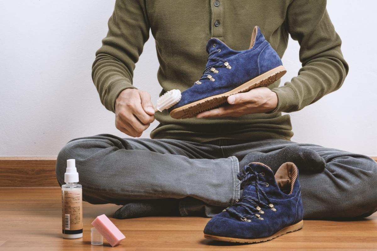 How to restore faded suede shoes